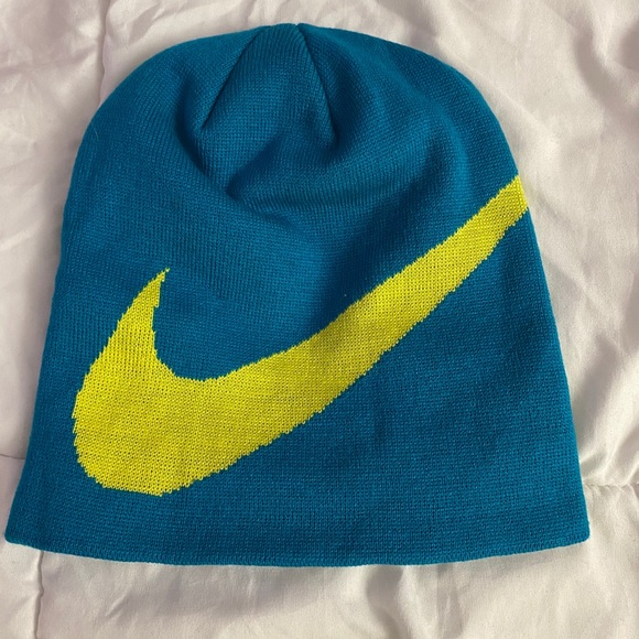 Nike beanie hat new without tags
